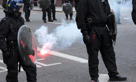 Fireworks police lines Mare Street Hackney 08.08.11